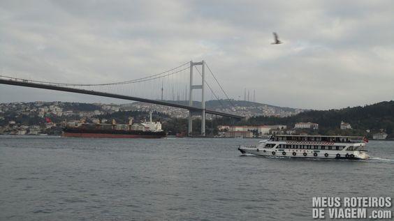 """Ponte do Bósforo"". Istambul, Turquia."