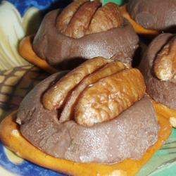 Thought I would share,  recipe for Pretzel Turtles