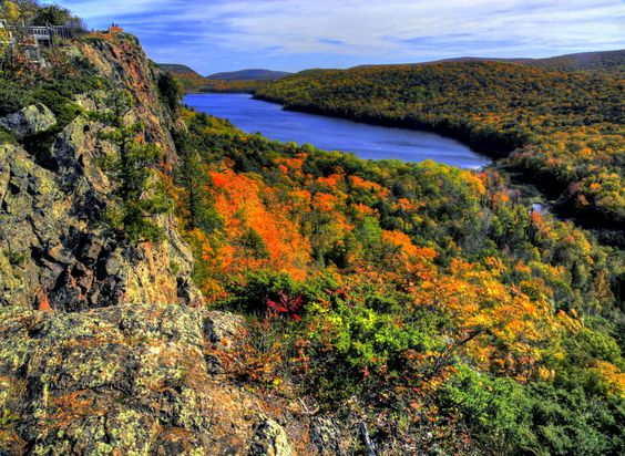 Lake of the Clouds (Upper Michigan).
