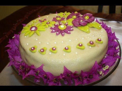 Recette de gateau d'anniversaire à la pate d'amande/My Birthday Cake wit...
