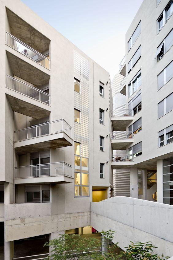 Gallery - Edificio 111 / Flores & Prats - 2