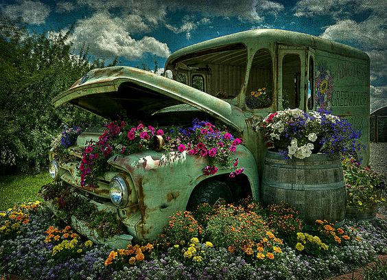 Find An Old Rusty Car And Use It As Garden Art For A