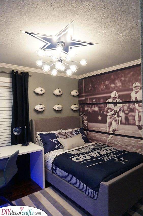 A Cowboy Bedroom Perfect For Teenage Boys Cowboy Room Boy Sports Bedroom Boys Room Decor