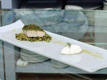Filetto-de-robalo-em-crosta-de-manjericao