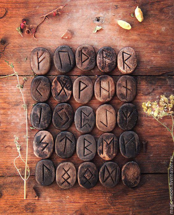 Купить Руны скандинавские. - коричневый, Керамика, авторская керамика, колдовская керамика, керамика ручной работы