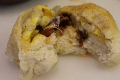 Stuffed Breakfast Bubble Biscuits: Breakfast Bubble, Stuffed Biscuit, Biscuit Bubbles, Biscuits Breakfast, Breakfast Biscuit, Breakfast Food