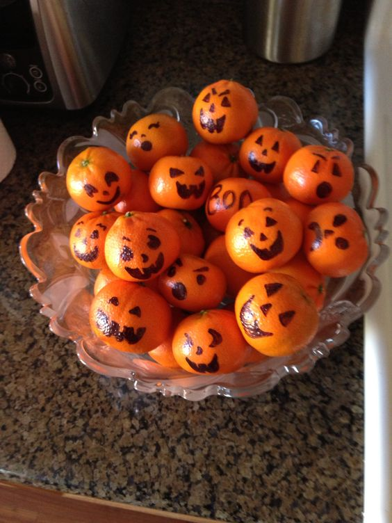Simple Halloween decoration and snack...it's so obvious...yet it never crossed my mind!: