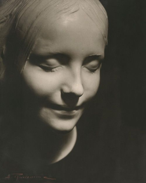 """pinner writes: In the late 1880s, the body of a 16-year-old girl was pulled from the Seine. She was apparently a suicide. A Paris pathologist ordered a plaster death mask of her face.  Ironically, in 1958 the anonymous girl's features were used to model the first-aid mannequin Rescue Annie, on which thousands of students have practiced CPR. Though the girl's identity remains a mystery, her face, it's said, has become """"the most kissed face of all time."""""""
