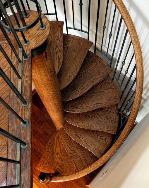 Escalier peu large obligatoire