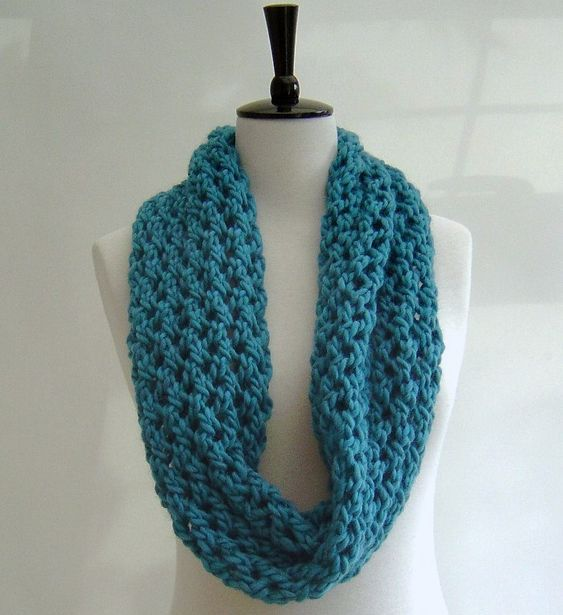 Knitting Scarf Tutorial : Knitting pattern infinity scarf quick and easy beginner