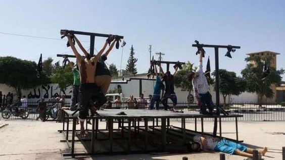 ISIS Terroristen kreuzigen 8 Menschen in Syrien