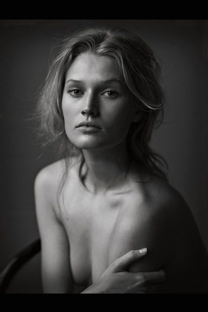 "Peter Lindbergh für VOGUE: ""The Naked Truth"""