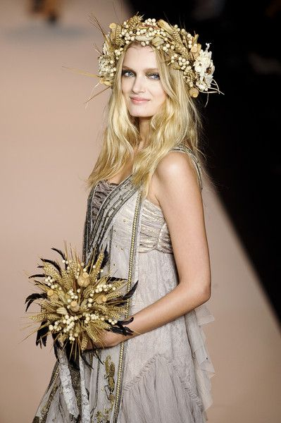 Bohemian Head Piece & Wheat Bouquet perfect for a Boho Wedding. Anna Sui at New York Spring 2011