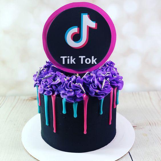 Bolo Tik Tok A Febre Do Momento In 2021 14th Birthday Cakes 13 Birthday Cake Birthday Cakes For Teens