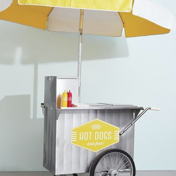 LATE NIGHT BITE Wouldn't you love a hot dog late night? Especially in this adorable cart- YES, please! #nationalhotdogday
