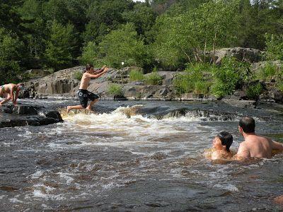 Swingers in big falls wi