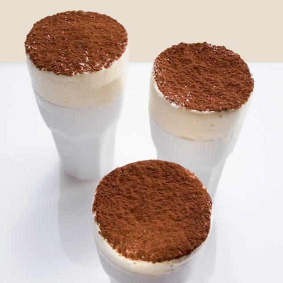 Can't think of anything better than #coffee? Here's our favorite thing to do with coffee: Cappuccino ice-cream soufflé. // Es gibt nichts Besseres als Kaffee? Wie wäre es mit diesem Cappuccino-Eissoufflé? #recipe #dessert #enjoysiemens