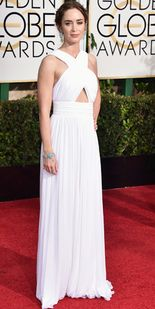 NORSK FAVORITTMERKE: Emily Blunt er som regel blant de best kledde, og denne gangen var intet unntak. Hun valgte turkise smykker til sin Michael Kors-kjole. Foto: NTB Scanpix