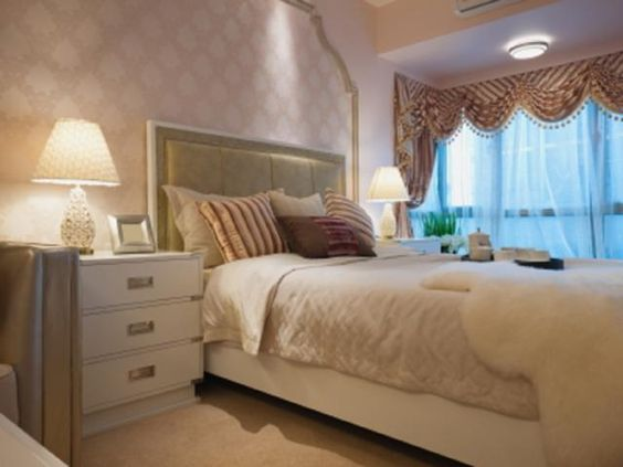 Wallpaper Design Ideas for Bedrooms: Great Tips and Advice: Wallpaper With a Frame