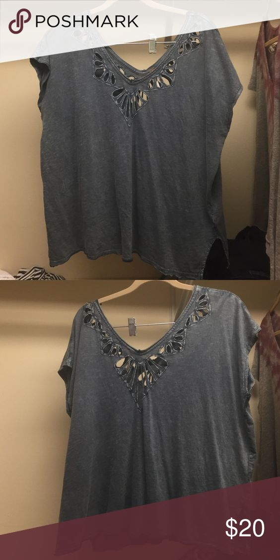 FREE PEOPLE casual top-blue Free people casual top, very soft and barely worn. Great for summer, spring, or fall! Flowy but not boxy Free People Tops Blouses