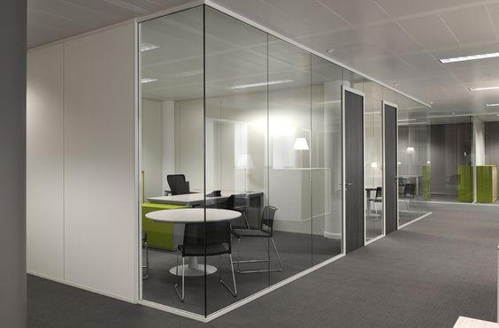 Interio instalaci n mampara de oficina distribuci n y for Oficinas creativas pequenas
