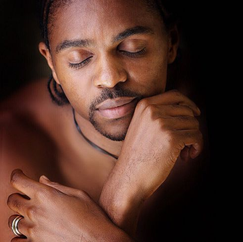 Amazing portrait of Kanu Nwankwo from 10 years ago - http://www.thelivefeeds.com/amazing-portrait-of-kanu-nwankwo-from-10-years-ago/