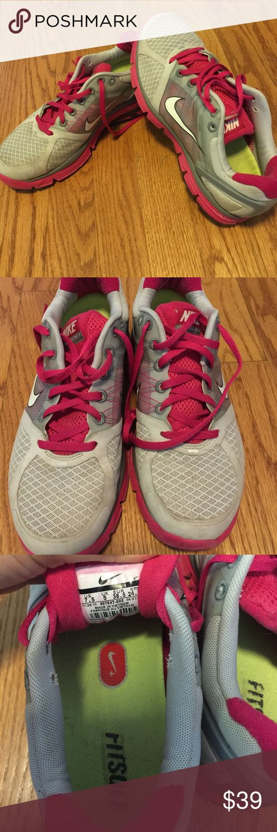 NIKE Lunarglide 2 Women's Nike Lunarglide 2 in size 7.5. In great condition! Nike Shoes Sneakers