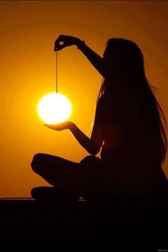 sun in her hand