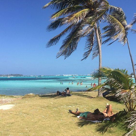 On instagram by allendebinaur2015 #landscape #contratahotel (o) http://ift.tt/1SaiJFx #amazing #acuario #bestofday #caribe #colombia #fotografias #islas #islasanandres #mar #natura #naturaly #naturaleza #oceano #photo #playas #paisajes #picofday #photograpy #sanandresislas #top #tour #travel #turismo #viajar