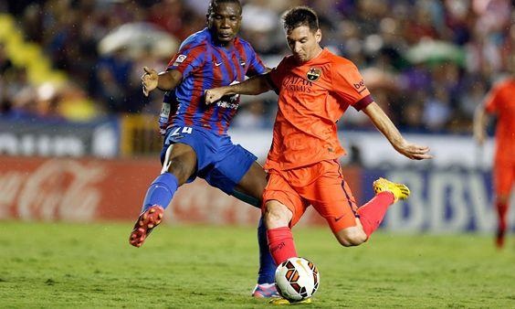 @Levante Simão Junior en accion defensiva ante Lionel Messi #9ine