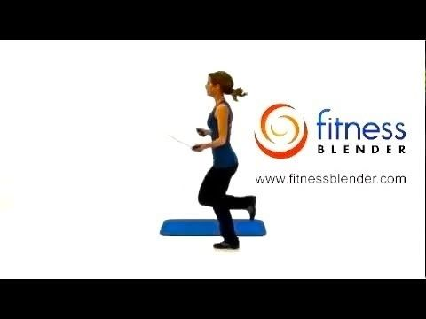 Jump Rope Workout Routine - Intense Home Cardio  Toning Exercises.  Interval - Jump Rope 60 seconds  14 reps of toning exercise. Circuit: Jump Rope; Push Ups, Jump Rope, Toe Touch Crunches; Jump Rope, Squats, Jump Rope and 40 seconds rest.  Repeat circuit once, 21 mins.  Já o fiz e é um dos meus favoritos! :D
