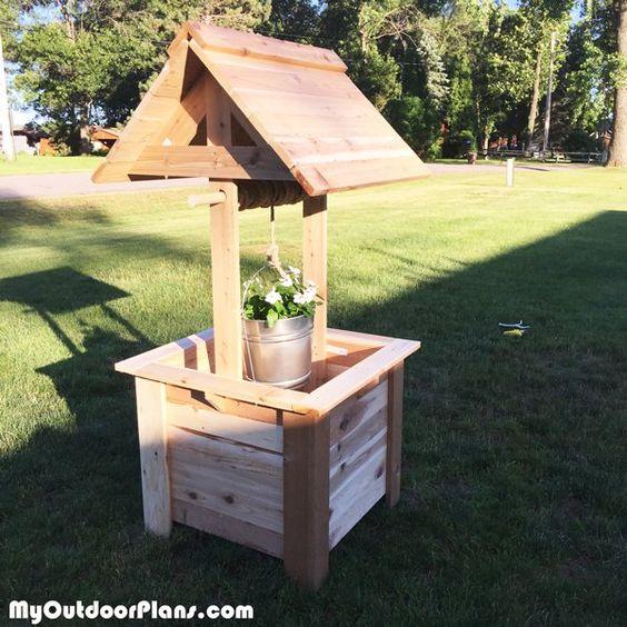 Diy cedar wishing well outdoor furniture plans for Garden wishing well designs