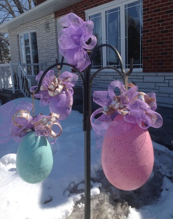 Here is my 3 easter eggs that I've decorated for Easter.