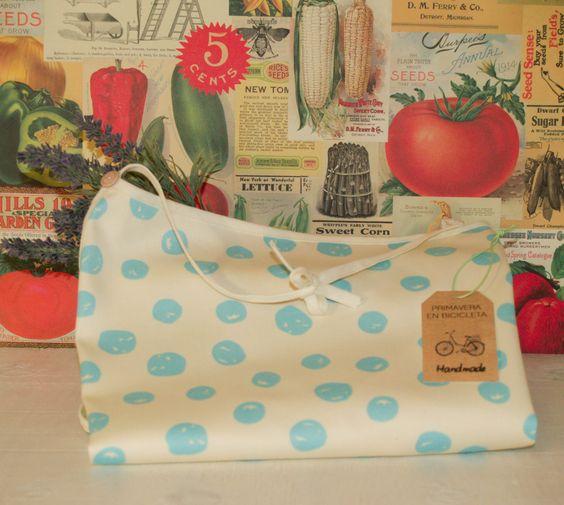 Productos handmade... Hechos a mano con mucho cariño. Los podéis encontrar en www.primaveraenbicicleta.com