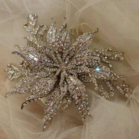 Custom all Swarovski statement comb Available @miaelenabridal #miaelenabridal #bridalboutique #bridalcouture #bridalaccessories #bridaljewelry #bridalheadpiece #bridalveils #bridalgarters #bridalrobes #bridalstyle #instabride #bride #brides #bridal #bridetobe #futuremrs #engaged #engagement #shesaidyes #isaidyes #njbride #nybride #longislandbrides #statenislandbrides
