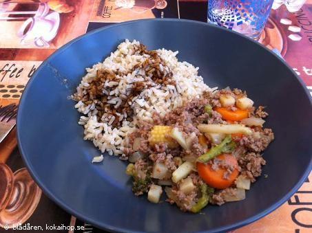 Recept - Busenkel köttfärsgryta med wokgrönsaker
