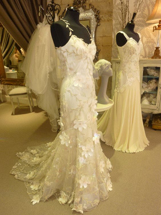Claire Pettibone Wedding Gowns Flora Amp Thalia Beautifully Displayed At Carina Baverstock