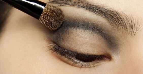 Tudo de Maquiagem: Aprenda como esfumar as SOMBRAS