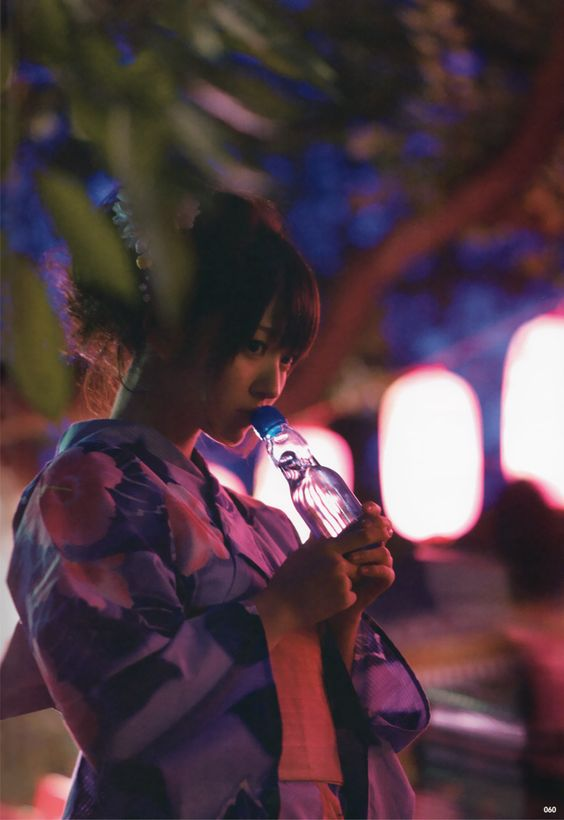 鈴木愛理浴衣とラムネの画像