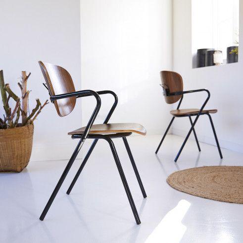 Chaise En Metal Noir Et Chene Assises De Salle A Manger Chaise Design Pas Cher Chaise Design Chaise Style Industriel