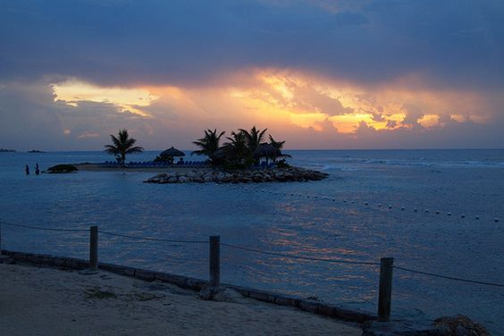 Montego Bay, Jamaica. Tek it Easy Island, a little islet, sits a few yards offshore of the Holiday Inn SunSpree Resort & Spa in Montego Bay, Jamaica.