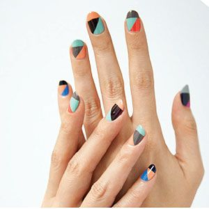 Start experimenting with fall colors -- or stretch out the last of summers -- with this graphic take on #ManiMonday.