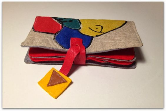 the bushcrafter: Needle book with screen printed fabric http://theswedishbushcrafter.blogspot.se/