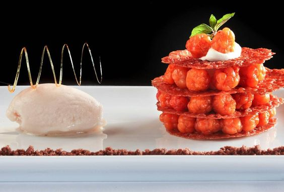 #østmarksetera #østmarkseteren #TheArtOfPlating #oslo #gourmet #instachef #multer #crumble #dessert by steinardr