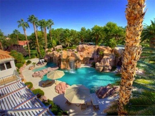 Luxury Homes With Phenomenal Swimming Pools A Resort Style Dream Las Vegas Luxury Backyard Retreat Luxury Homes