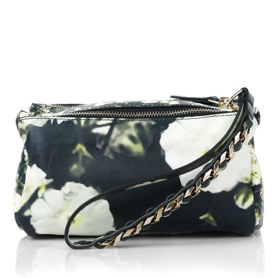 So lovely: Givenchy Wristlet Pouch Flower Print! Wear on a date, wedding day or for dinner. www.fashionette.de