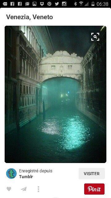Ubuesque Venise