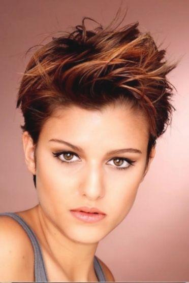 Frisuren Frauen Kurz Frech Kurzhaarfrisuren Haarschnitt Kurz Kurzhaarschnitte