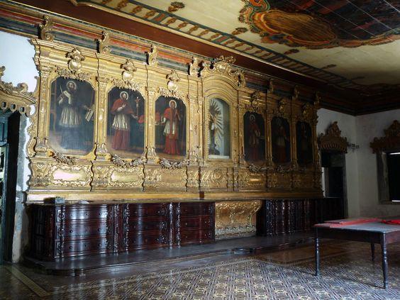 São Pedro dos Clérigos, Recife / Por Pedro Valadares - Flickr / Início da obra 1728. Para os padrões do barroco brasileiro a igreja tem uma arquitetura incomumente verticalizada.