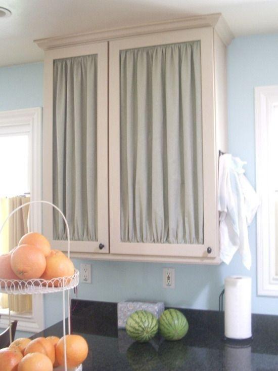 窓に限らない カーテンをおしゃれに使ういろんな方法 キッチンキャビネット キャビネット キッチンの装飾